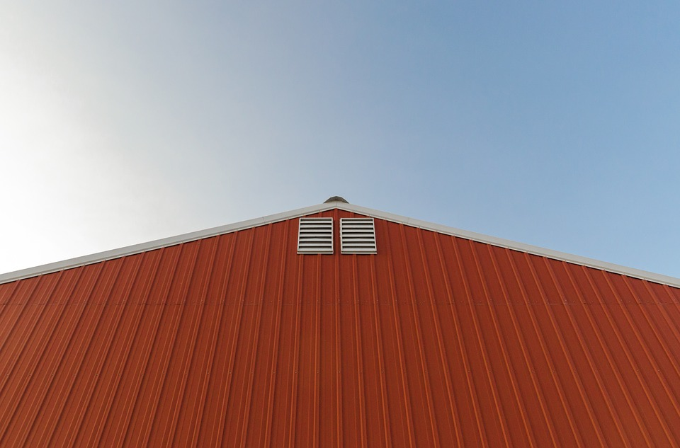 100000070_big red roof