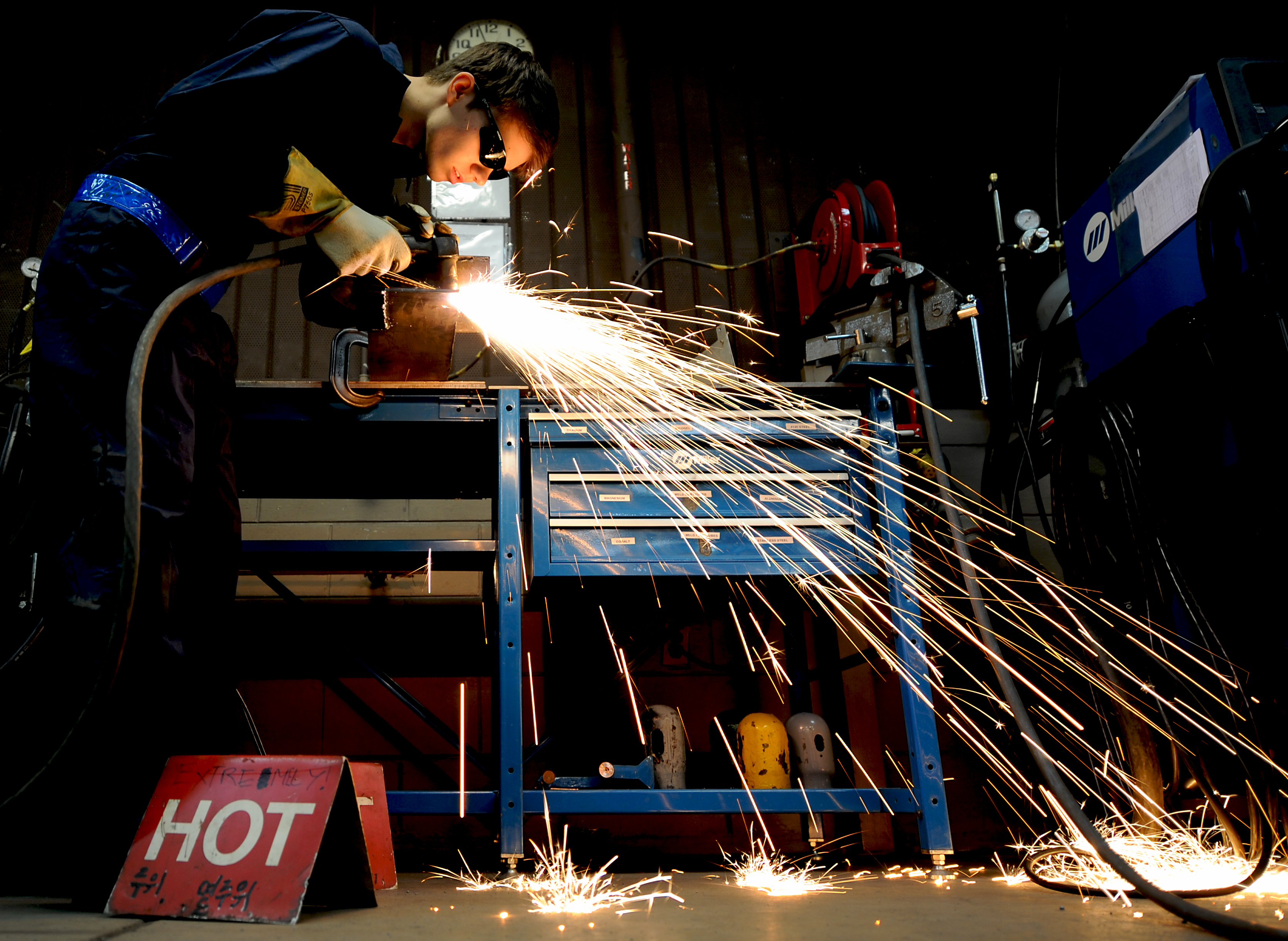 welding_sparks_metal fabrication